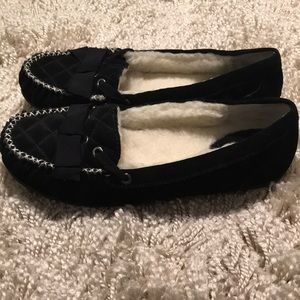 Isaac Mizrahi Shoes - NWOT Isaac mizrahi quilted moccasin slippers